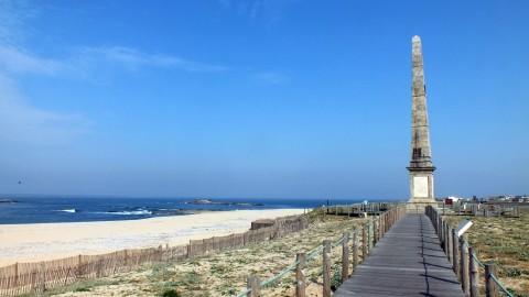 Licenciamento de Hotel na Praia da Memória